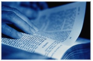 reading-bible-blue