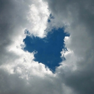 I-See-God-s-Heart-In-These-Clouds-god-the-creator-10268130-400-400